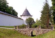 Тайлавская башня Печорского монастыря