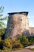 Средняя башня Порховской крепости