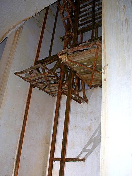 Ammunition elevator - Southern Forts, Fort Miljutin